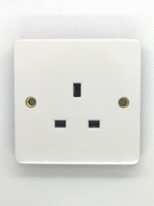 CRABTREE 13A UNSWITCHED 1 GANG SOCKET 7255