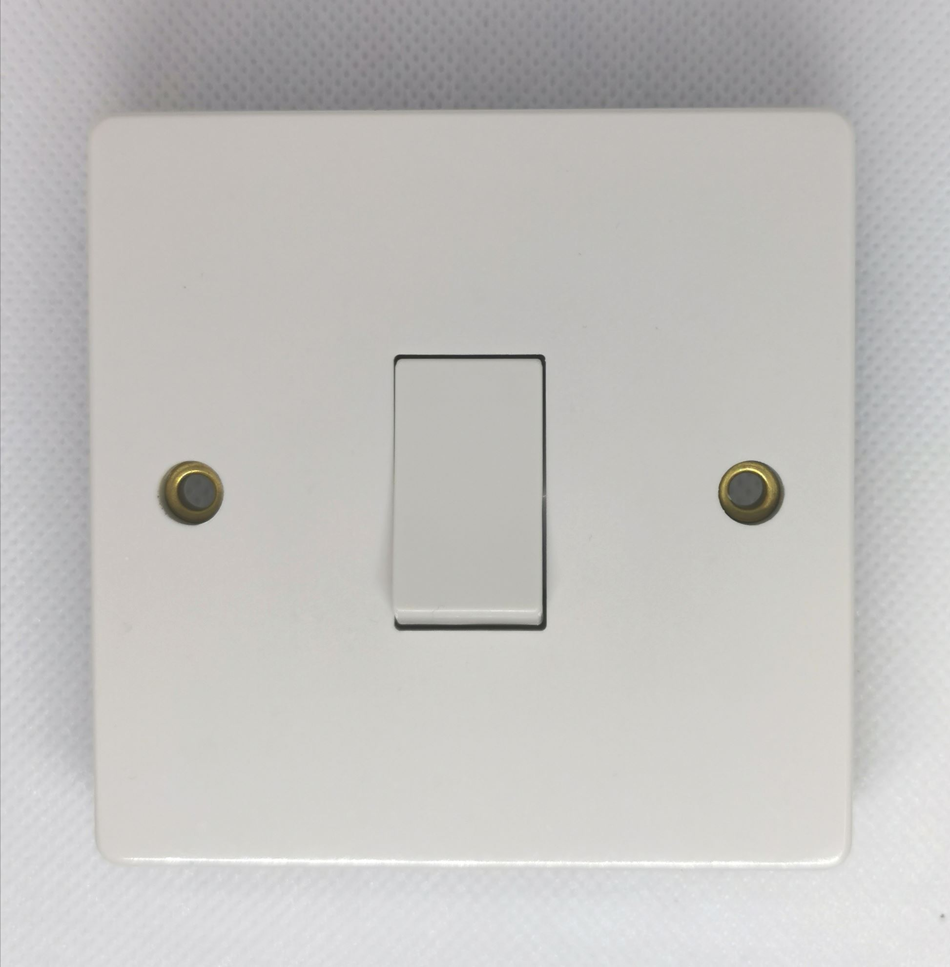 CRABTREE 7255-1 GANG UNSWITCHED SOCKET
