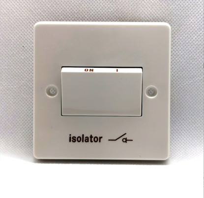 Crabtree 4017 Capital White Moulded 1 Gang Triple Pole Isolator Switch With Isolator Symbol 6A